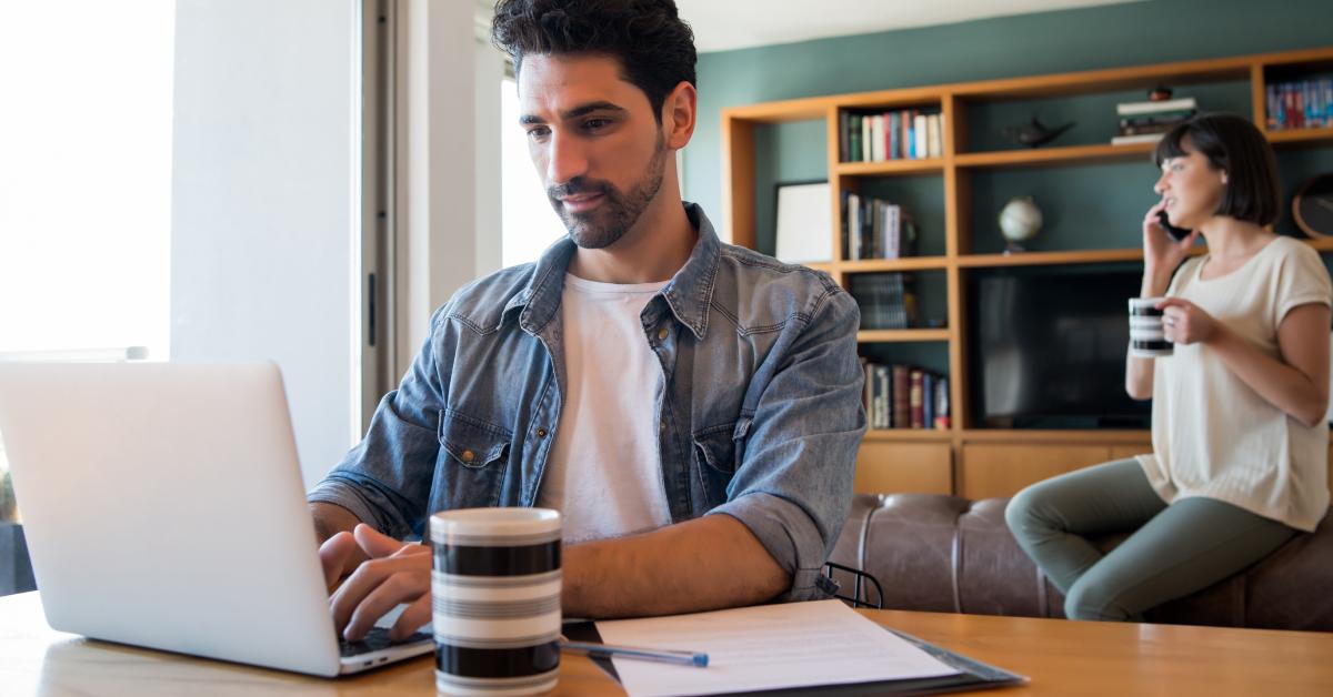 Πώς να διατηρήσετε την παραγωγικότητά σας δουλεύοντας από το σπίτι